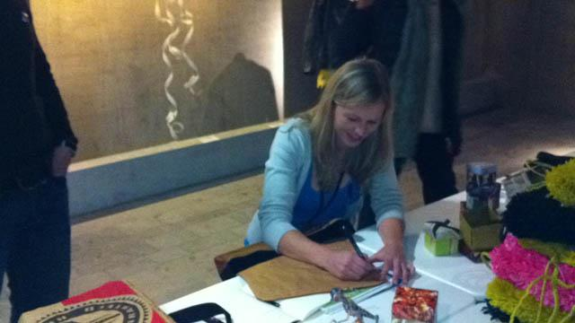autographing1